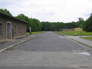 projets_voyage_sites_historiques_800px-KZ_Buchenwald_Caracho-Weg_wikipedia