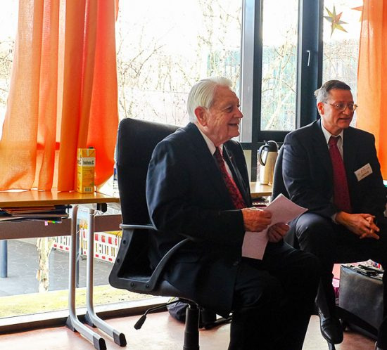 Dr. Werner Montag in der französische Schule in Frankfurt